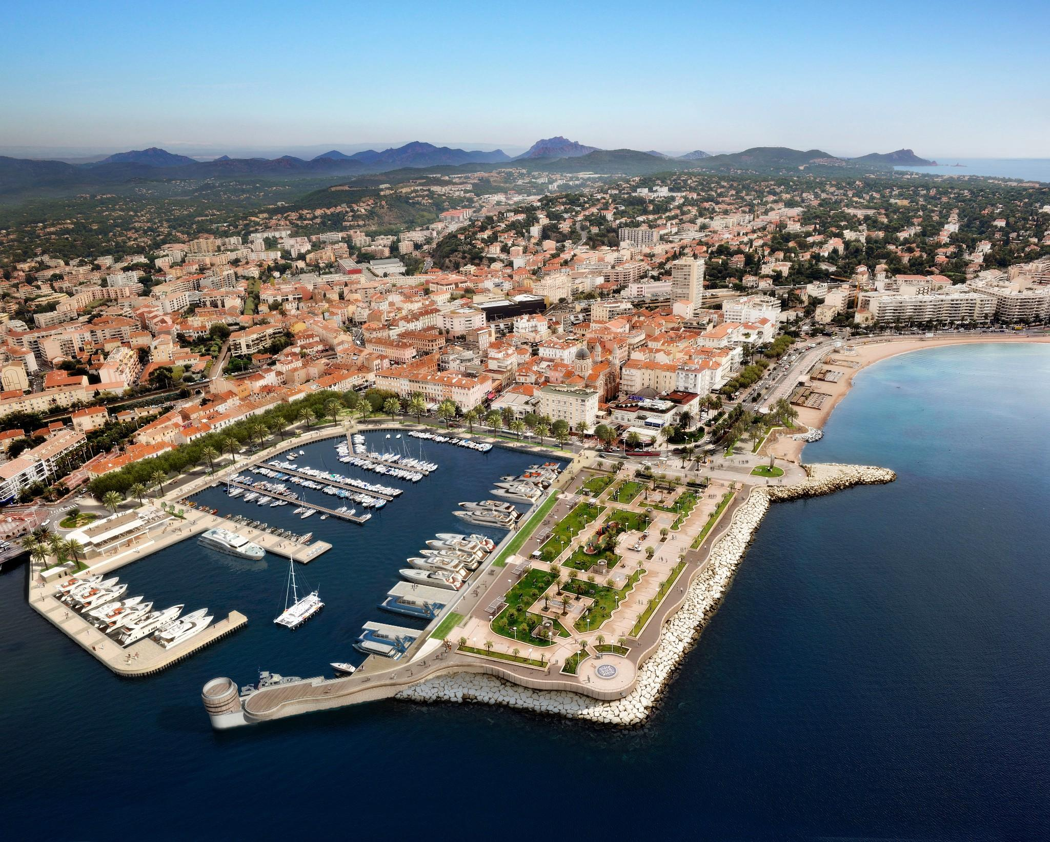 New St Raphael harbour