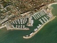 Berth For Yacht Focus sur le port Camille Rayon à Golfe-Juan