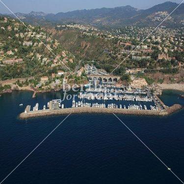 Emplacement pour yacht à céder port de la Rague