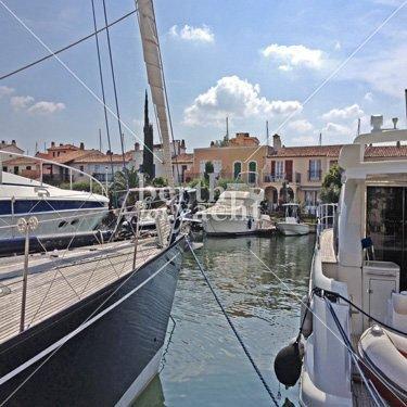 Emplacement pour Yacht à Vendre Port Grimaud Golfe de Saint Tropez