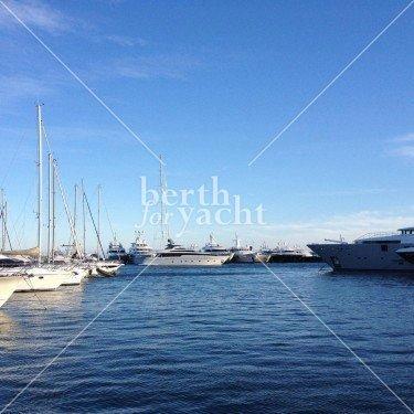 Emplacement pour yacht à vendre au port Camille-Rayon-Golfe-Juan-Côte d'Azur