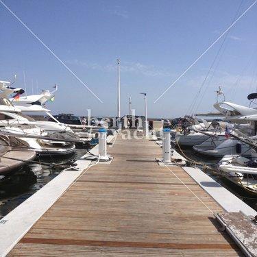 Emplacement pour Yacht à Vendre Port Camille Rayon-Golfe-Juan-Côte-d'Azur