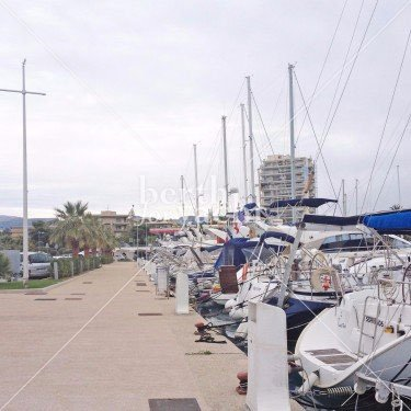 Emplacement pour yacht à céder port de Saint Laurent du Var