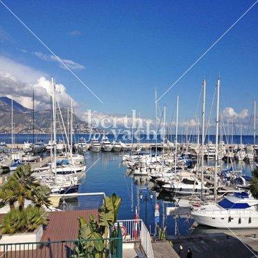 Emplacement pour Yacht à céder Port de St Jean Cap Ferrat Côte d'Azur